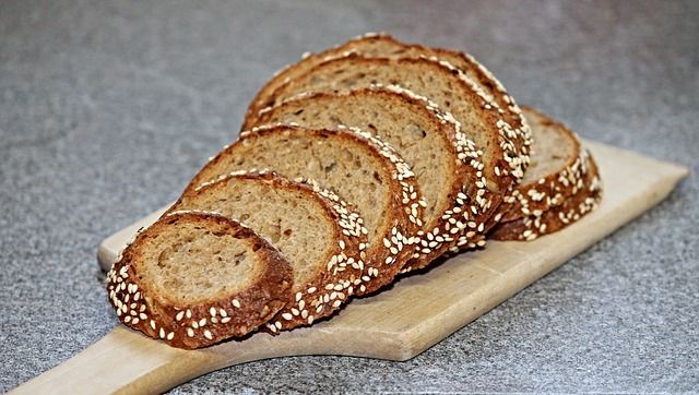 foods-that-burn-fat-whole-grain-bread