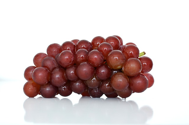 fat-burning-fruits-grapes