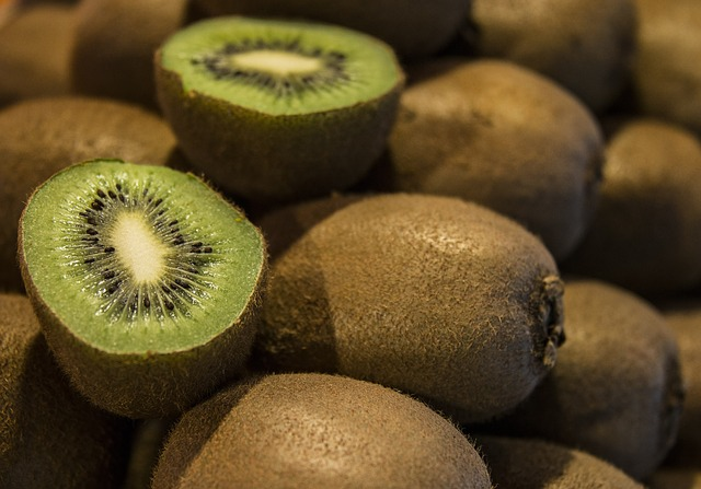 fat-burning-fruits-kiwi-fruit